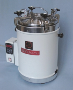 Search Adolf Wolf -SANOclav (2697)-Laboratory autoclaves with heating