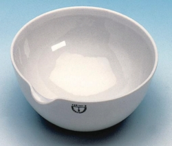 Evaporating basins, porcelain, with spout, round bottom, medium form