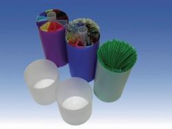 Plastic goblets for cryogenic dewars