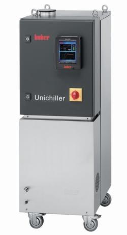 Unichiller® (da posizionamento libero) con raffreddamento a torre raffreddata ad acqua